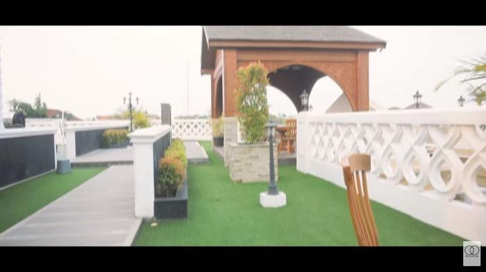 Rooftop di rumah Sule