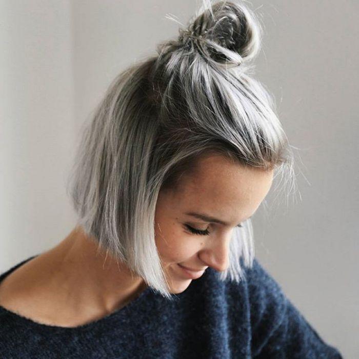 Rambut pendek abu-abu/silver