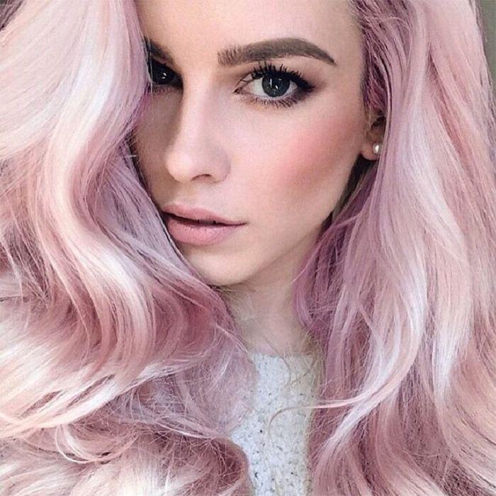 warna rambut rose dengan mata hitam
