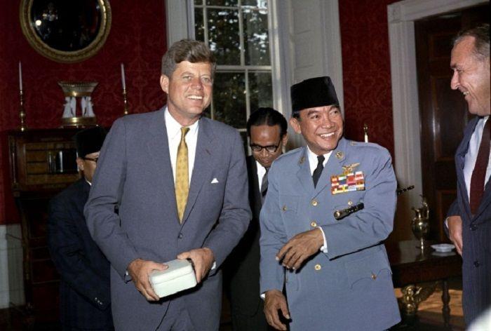 Hubungan Soekarno dan John F Kennedy membuat Indonesia mampu melakukan pengayaan uranium