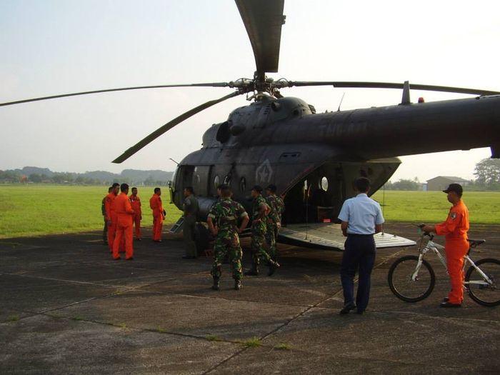 Heli Mi-17 TNI AD