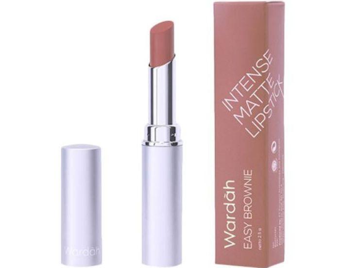 Tampil natural dengan lipstik cokelat dari Wardah Intense Matte Lipstick