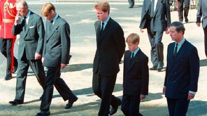 Pangeran Harry baru 12 tahun pada saat itu