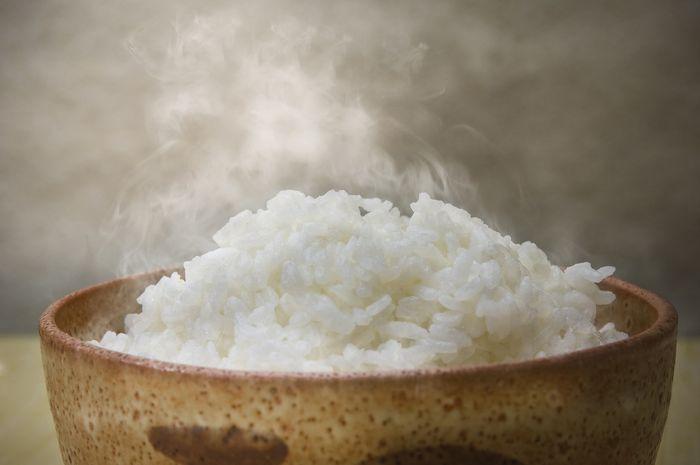 Nasi hangat memiliki kadar indeks glikemik sedikit lebih tinggi.