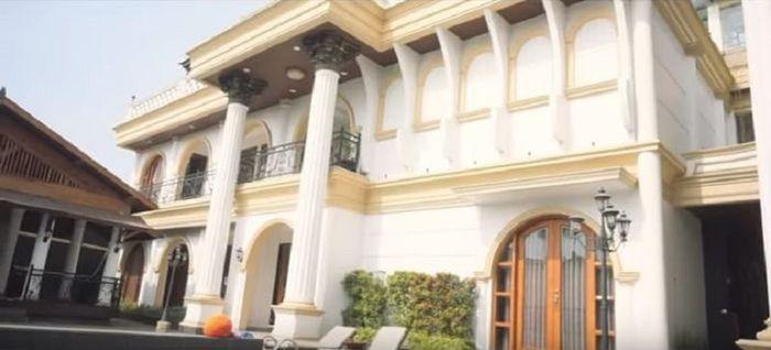 Rumah mewah Rizky Febian