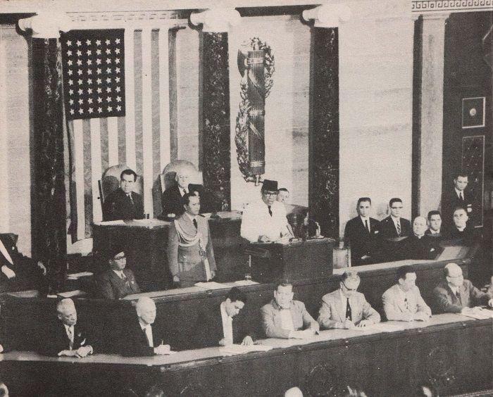 Soekarno saat berpidato di depan kongres Amerika Serikat
