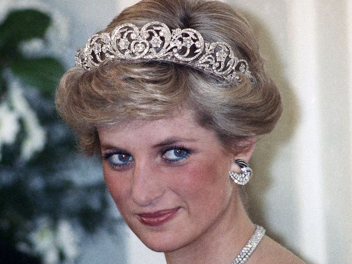 Princess Diana dengan eyeliner biru