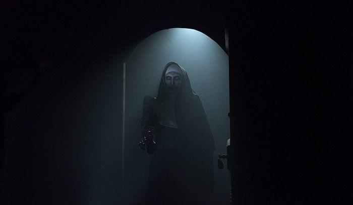 Sosok Valak dalam The Nun IMDb