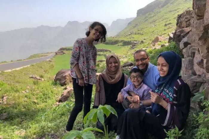Hanin al-Asaadi bersama keluarganya