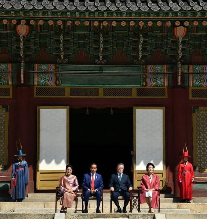 Presiden Jokowi tiba di istana Changdeok