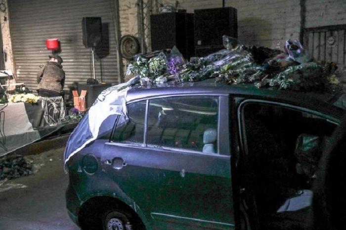 Mobil yang digunakan untuk meniru Mercedes yang ditumpangi Diana saat kecelakaan.