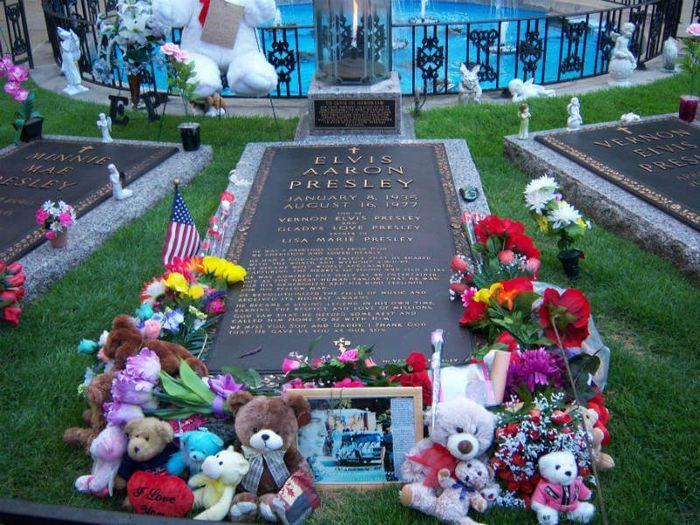 Makam Elvis Presley.