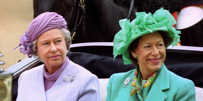 Queen Elizabeth dan Princess Margaret