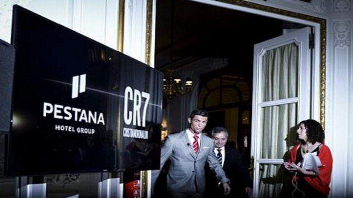 Cristiano Ronaldo saat peluncuran salah satu hotel miliknya