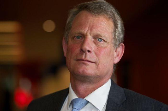 Dr Richard Shepherd, ahli patologi forensik yang memeriksa jasad Putri Diana
