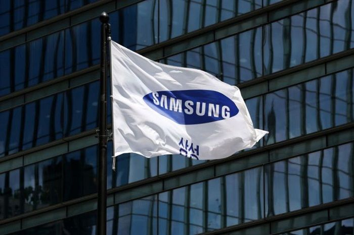 The Samsung Electronics Co. corporate flag flies outside the company's Seocho office building, Seoul