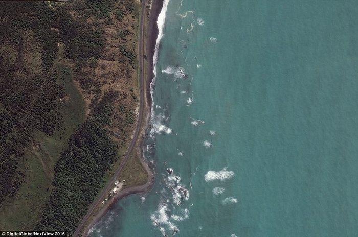 Foro diambil pada Maret 2016 sebelum terjadinya gempa.
