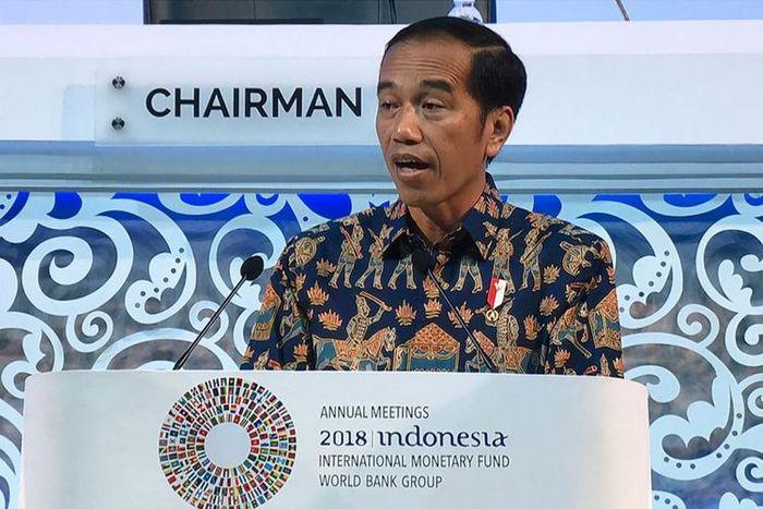 Presiden Jokowi saat berpidato dalam acara IMF