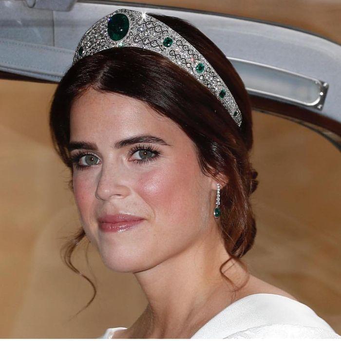Tiara yang dikenakan Putri Eugenie
