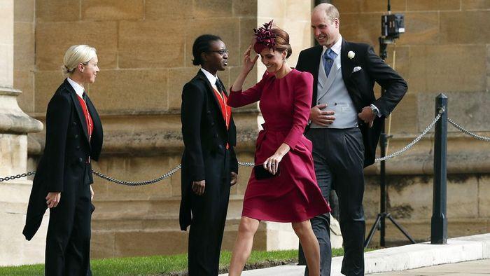 Kate Middleton Tampil Elegan Saat Menghadiri Pernikahan Princess Eugenie dan Jack Brooksbank