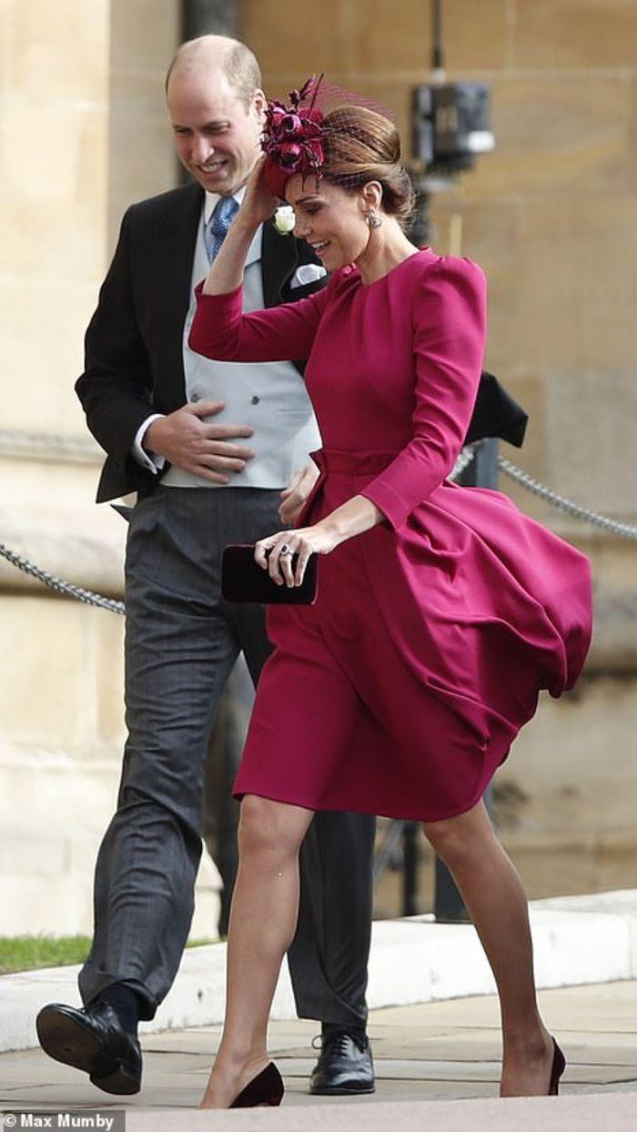 Penampilan memukau Kate Middleton di royal wedding Putri Eugenie.