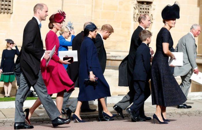 Pangeran Harry dan Meghan Markle melanggar aturan kerajaan
