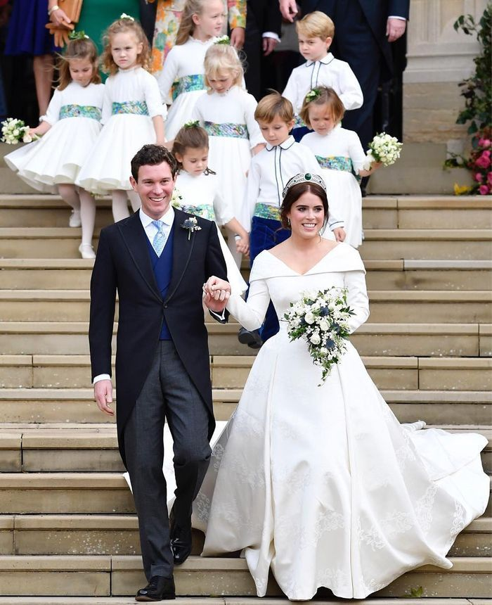Gaun Pernikahan Putri Eugenie Rancangan Peter Pilotto dan Christoper De Vos