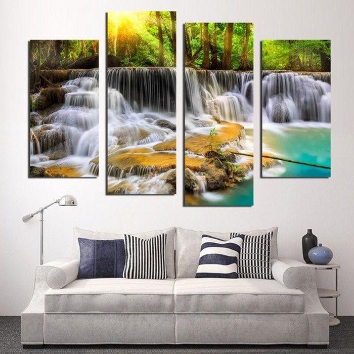 Ilustrasi Lukisan Air Mengalir