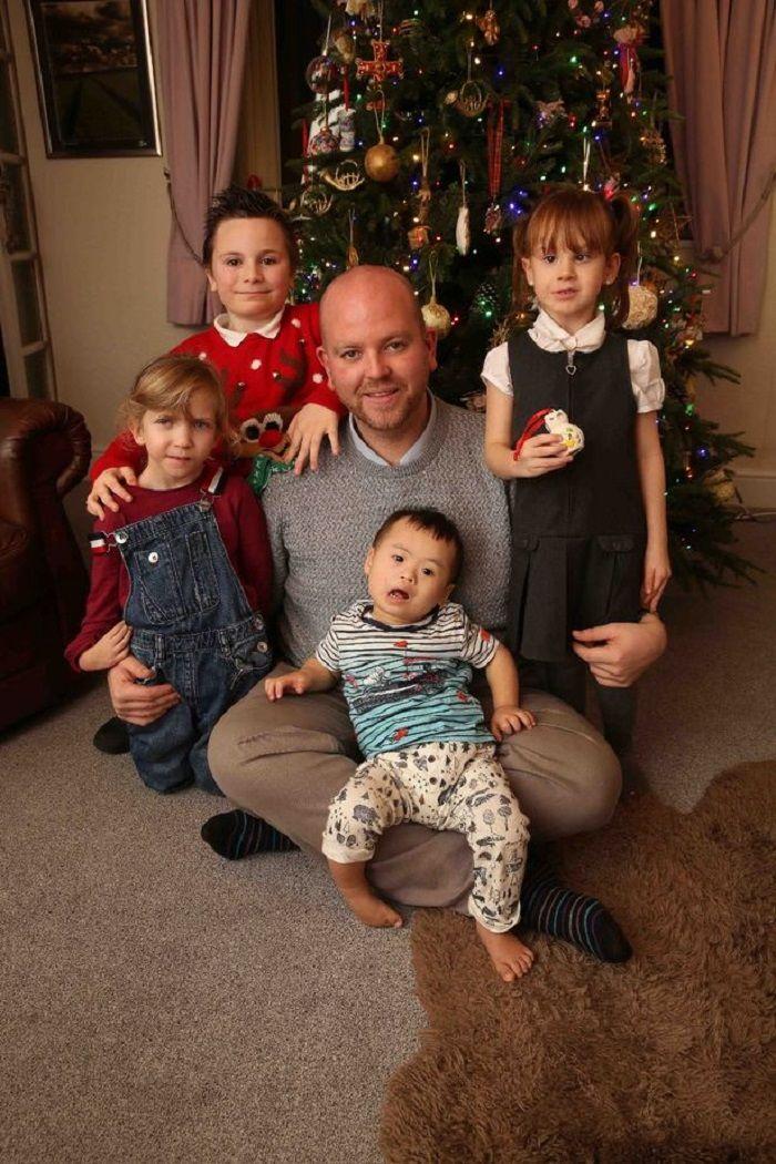 Ben merayakan natal bersama anak-anaknya