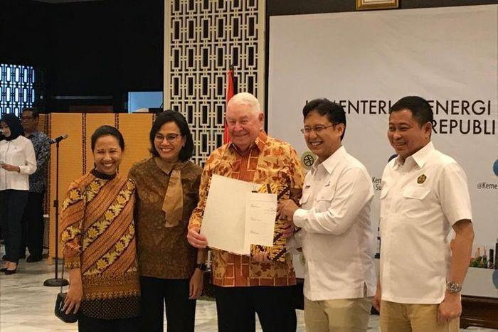Suasana usai penandatanganan Sales and Purchase Agreement PT Inalum (Persero) dengan Freeport McMoran di Kementerian ESDM, Kamis (27/9/2018).