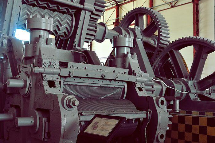 Mesin-mesin dalam museum De Tjolomadoe.