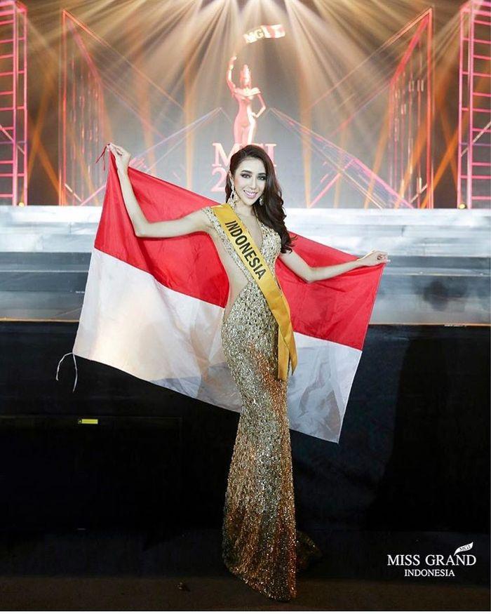 Penampilan Nadia Purwoko, si pengacara cantik dalam ajang Miss Grand International 2018