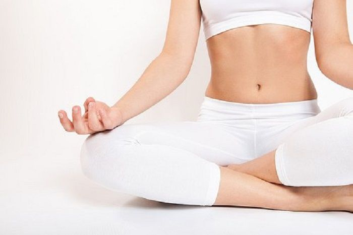 Lakukan Yoga atau Meditasi