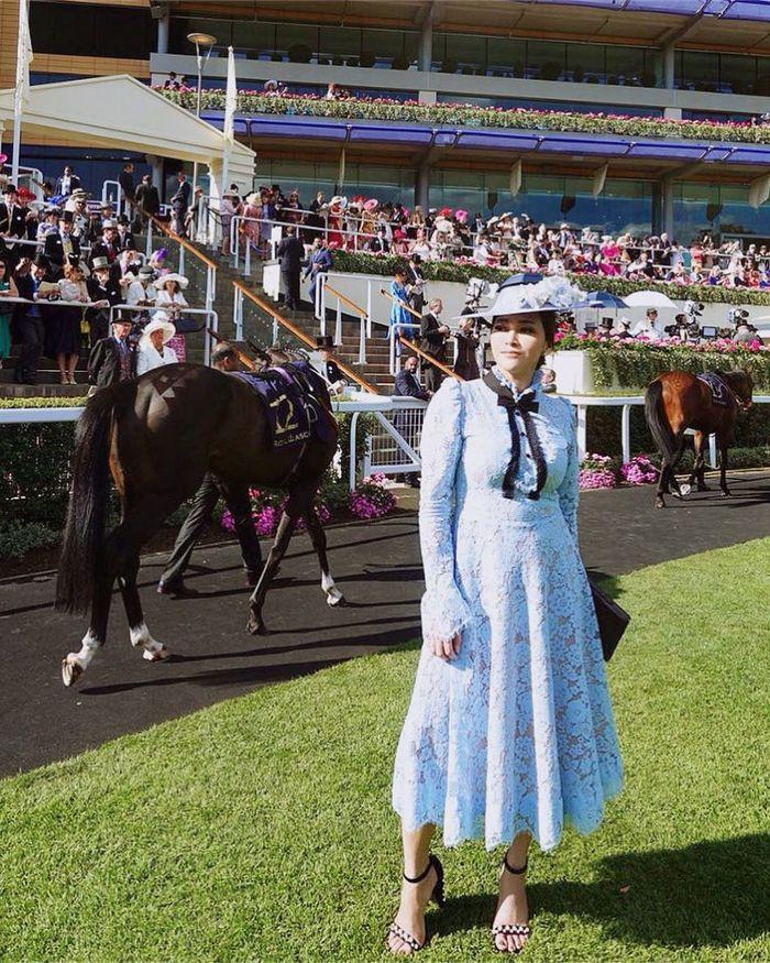 Maia Estainty saat hadiri acara Royal Ascot di Inggris