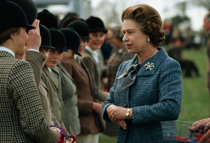 Ratu Elizabeth II menjadi pemimpin Kerajaan Inggris terlama.