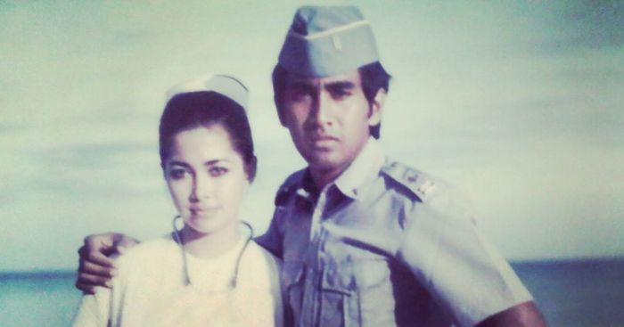 Potret lawas Widyawati dan Sophan Sophiaan pada film Cintaku Djauh di Pulau