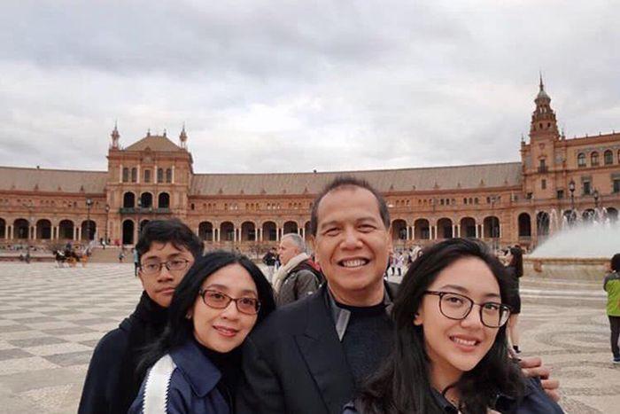 Chairul Tanjung dan keluarga