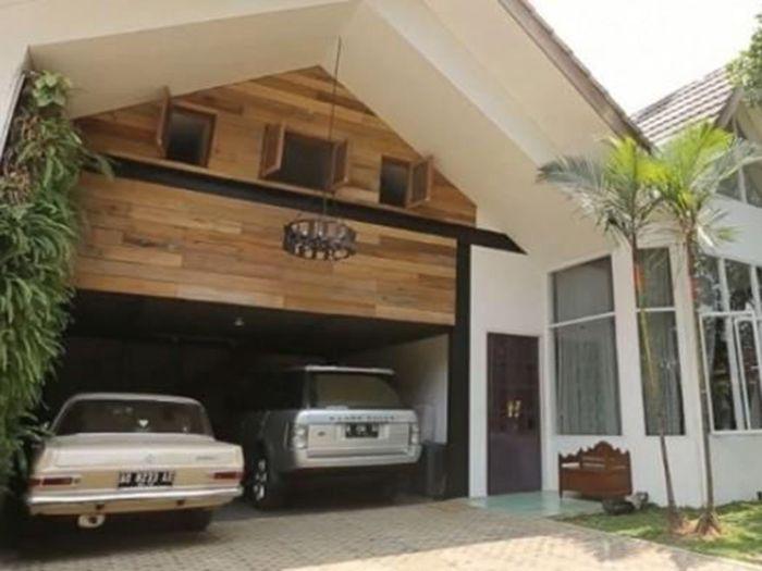 Rumah Widi Mulia dan Dwi Sasono