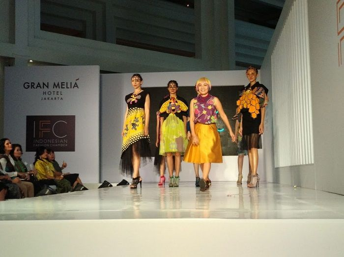 Desainer Lenny Agustin di Ajang Jakarta Fashion Trend 2019