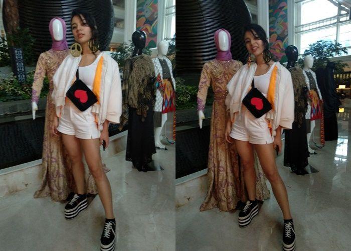 Tampilan Sporty Oxcerila Paryana Saat Menghadiri Acara Jakarta Fashion Trend 2019