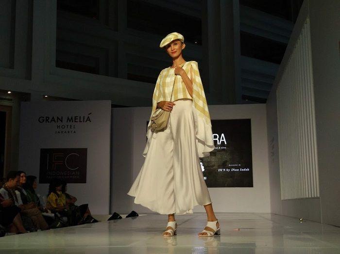 Busana Motif Geometrik dari Kultura di Ajang Jakarta Fashion Trend 2019