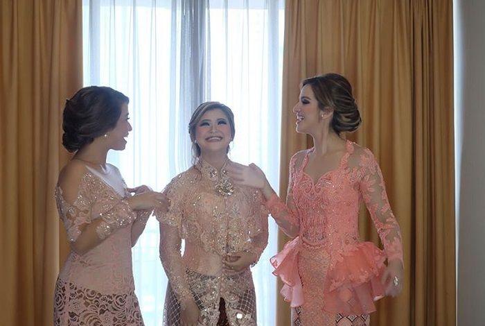 Intip 6 Foto Kakak Nia Ramadhani, Talitha Elizabeth Nugroho Bersama Sang Adik, Akrab Banget!