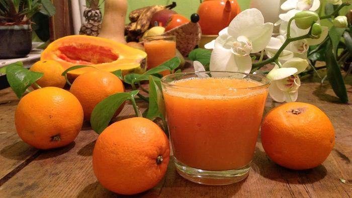 Jeruk dan pepaya untuk obat jerawat.