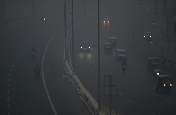 Kabut debu menyelimuti Delhi setelah Perayaan Diwali.