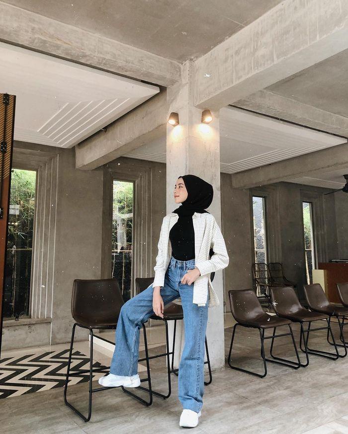 Mix and match celana wide leg jeans ala selebgram hijabers Amelia Elle