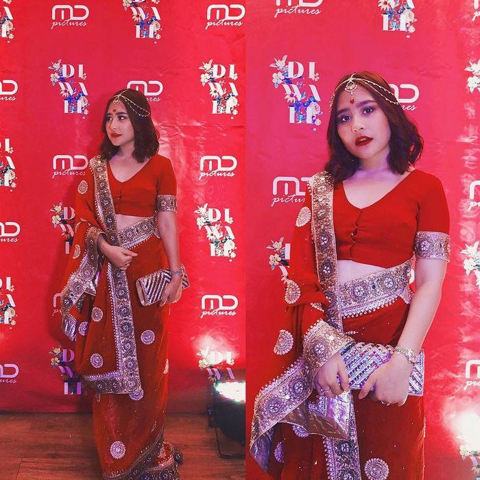 Prilly Latuconsina kenakan busana sari India.