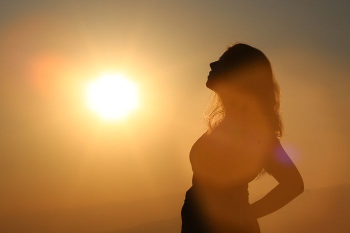 ilustrasi sinar matahari
