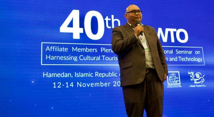 Alfonsus Aditya, delegasi Indonesia, menyampaikan gagasannya mengenai pariwisata berkelanjutan.