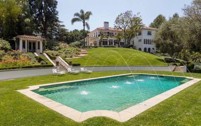Begini Tampilan Rumah Mewah Angelina Jolie di California, Yuk Lihat!