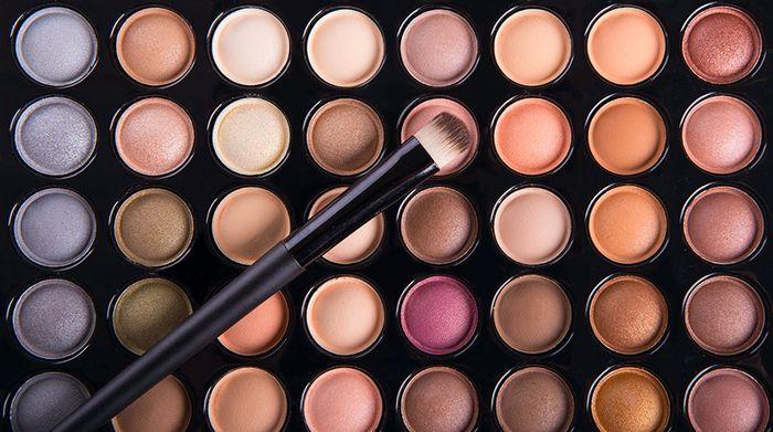 Kosmetik mengandung zat berbahaya bagi kulit